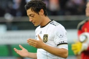 https://wolrdfact.files.wordpress.com/2012/07/doa_mesut.jpg?w=300